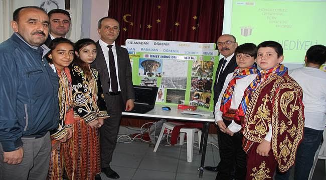 """İsmet İnönü Ortaokulu""""TÜBİTAK 4006 Bilim Fuarı"""" açıldı"""