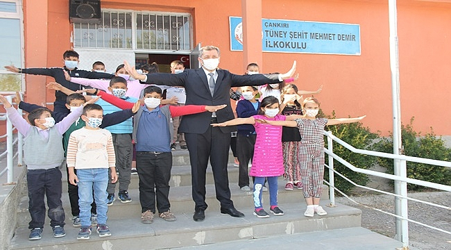Milli Eğitim Bakanı Ziya Selçuk    Eğitimde 2. aşamaya  Çankırı'da start  verdi